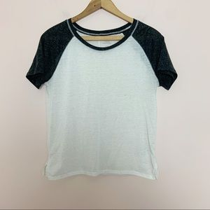 Urban Outfitters Gray and Cream Linen Raglan Tee